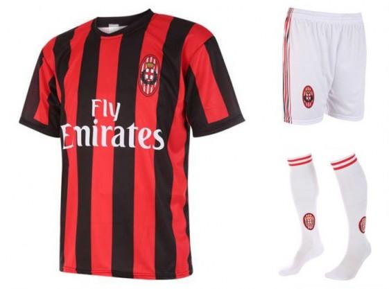 Milan thuis tenue met eigen naam 2017-18