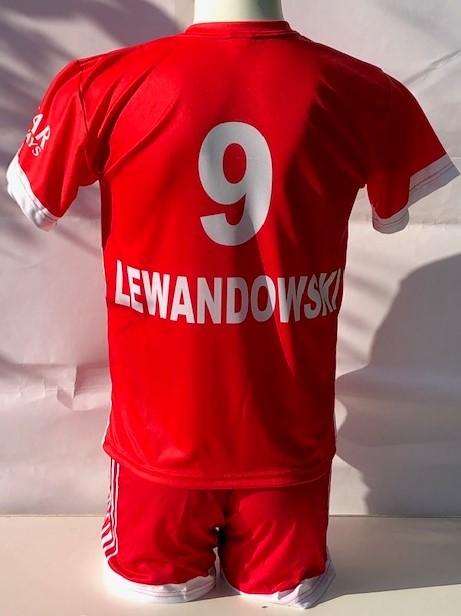 Bayern Munchen voetbaltenue Lewandowski seizoen 2021-2022