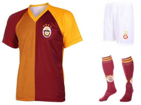 Galatasaray Fan tenue met eigen naam 2016-17