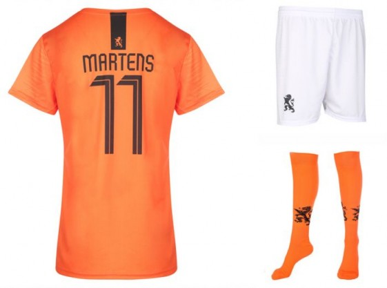Nederlands elftal dames tenue Martens 2018-20