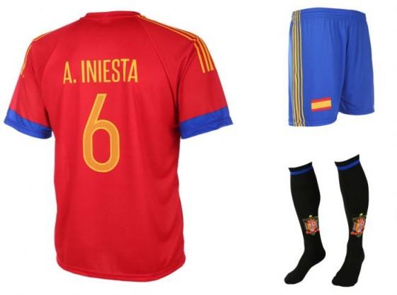 Spanje-Iniesta tenue 2016-18